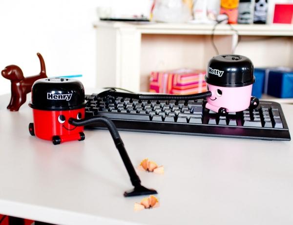 Schreibtisch Staubsauger Henry