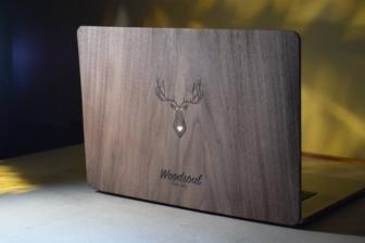 Schutzhülle aus Holz für Macbook